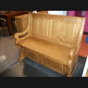 Escaño con arca modelo ERU0002