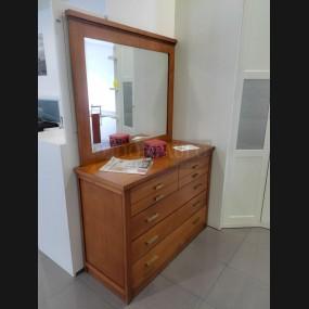 Cómoda con espejo modelo...